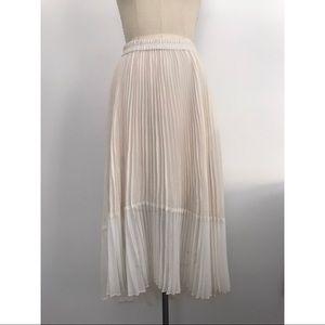 Club Monaco Ivory Pleated Skirt Size 0